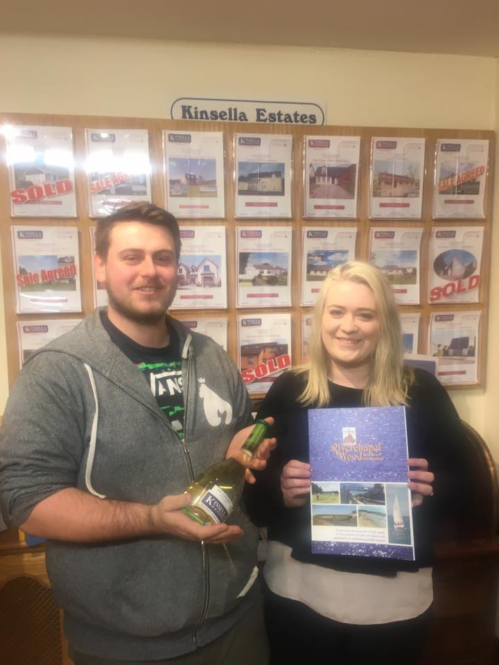 Ian & Danielle collecting the keys to their new home!